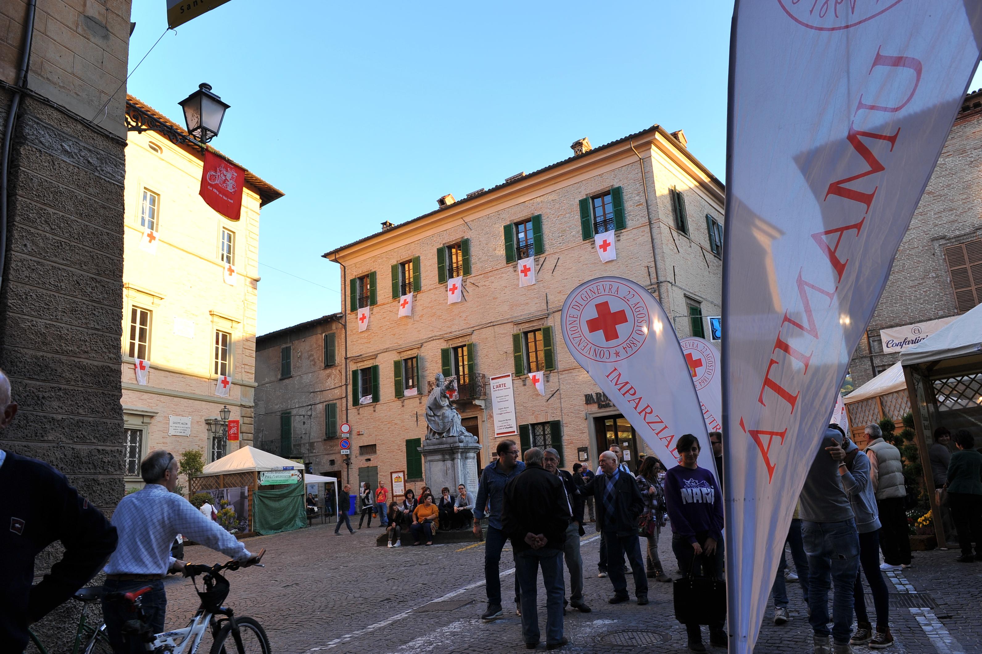 la CRI in Piazza a Sant'Angelo in Vado