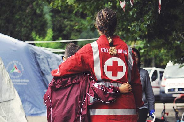 Forti scosse di terremoto nel Centro Italia. I volontari della Croce Rossa in prima fila nel supporto alla popolazione
