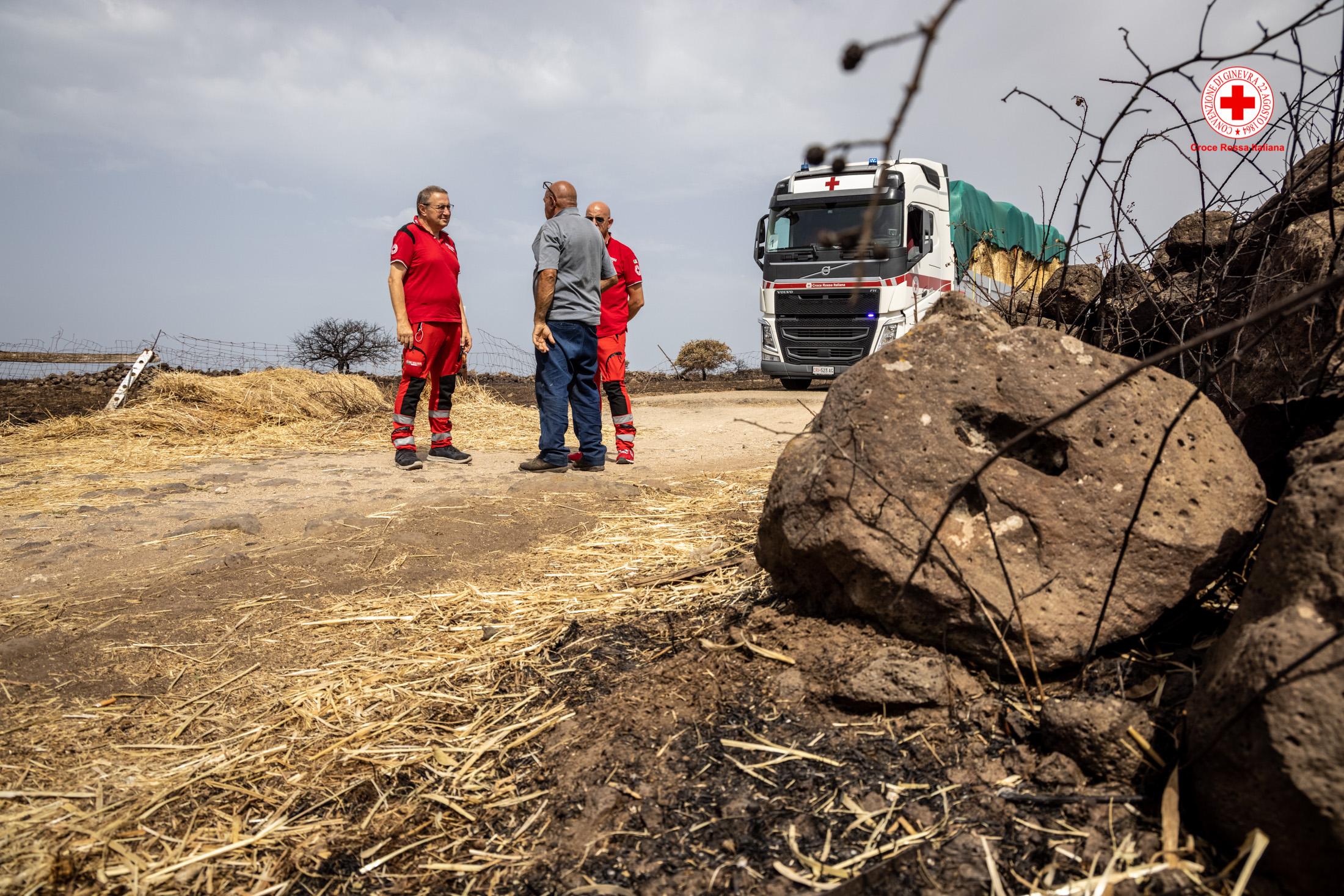 Croce-Rossa-Sardegna-Incendi-Aiuti-Allevatori-23