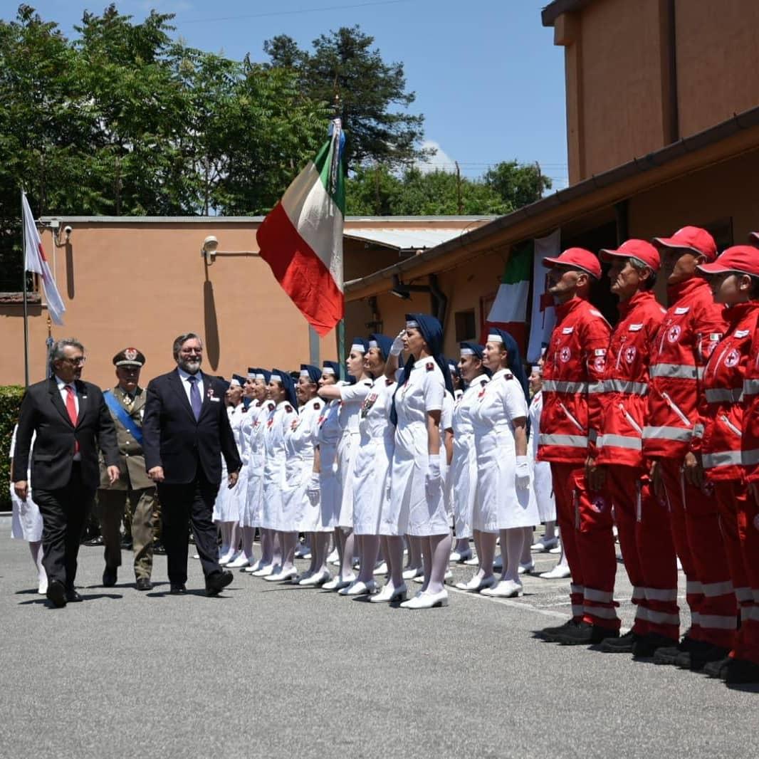 """Visita del Sottosegretario alla Difesa Raffaele Volpi alla Caserma Pierantoni: """"I volontari CRI mettono in pratica l'inclusione ogni giorno, non solo il 2 giugno"""""""