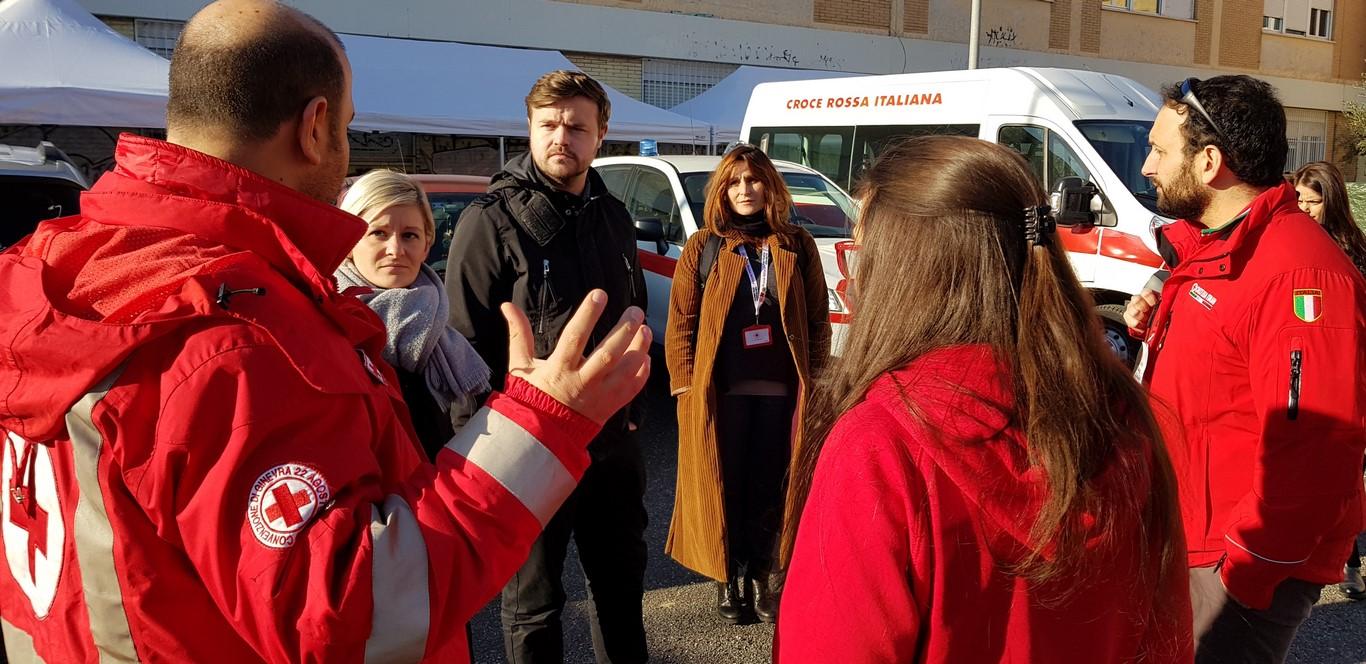 """Al """"Red Cross Roads"""" la visita della Croce Rossa Britannica, che ha supportato l'evento di formazione"""