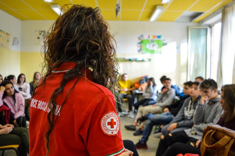 Croce Rossa: in una scuola a Spoltore la prima colonnina anti bullismo per chiedere aiuto
