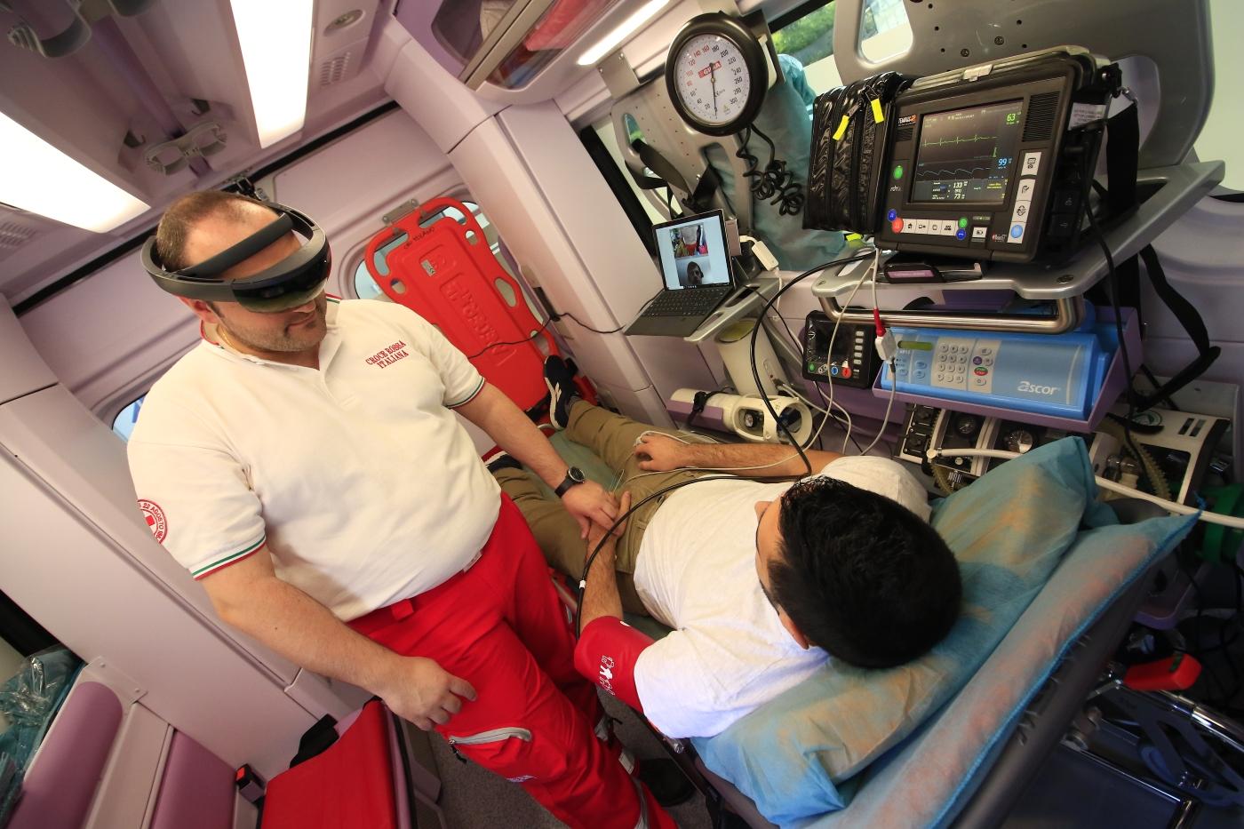 Nuove tecnologie: a Milano la prima ambulanza 5G