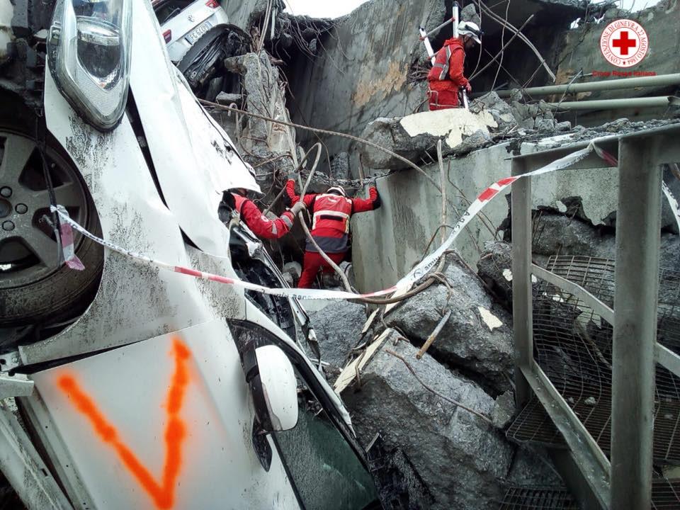A un mese dal crollo del Ponte Morandi Genova si ferma in ricordo delle vittime